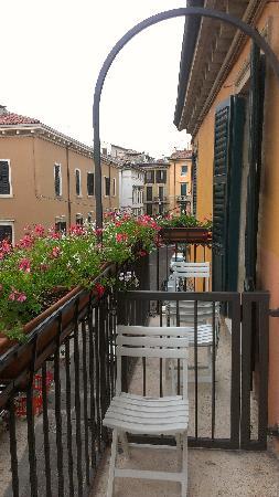 VeronAntica B&B: Balcony