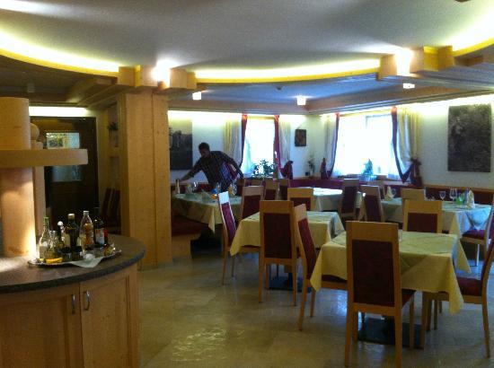 Hotel Tirol: sala ristorante
