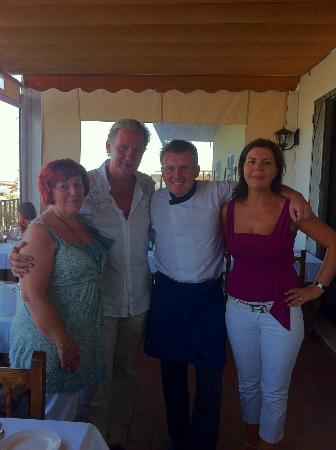 Aidan's Bar & Grill: Johnny, Eilis, Aidan & Karen.