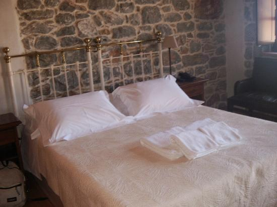 Xemoni Hotel & Spa: Cocomat bed
