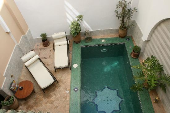 Riad Tafilag: The swimming pool area