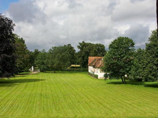 Manoir de Beaumarchais: View from Bedroom
