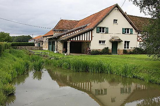 Manoir de Beaumarchais Farmhouse