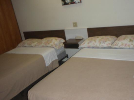 Driftwood Motel: Double Beds