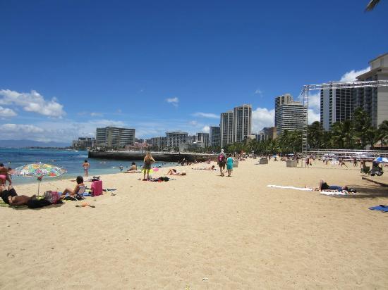 Aston Waikiki Beach Hotel: Playa de Waikiki
