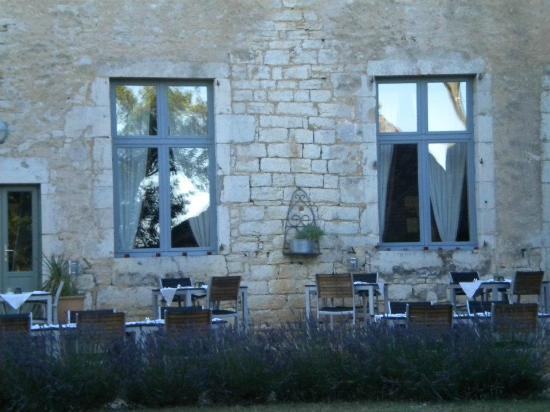 Hotel le Grezalide: restaurant en terrasse