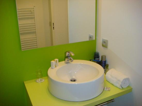 Appart'City Confort Tours: lavabo