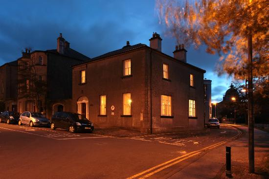 Corrib House Guest Accommodation: Water's Edge in City Centre