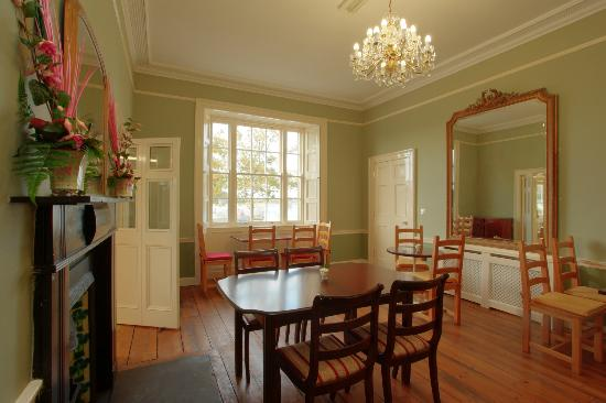 Corrib House Guest Accommodation: Breakfast Room