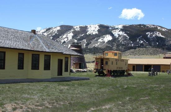 Nici Self Historical Museum: Historic Depot, Burner, an Caboose