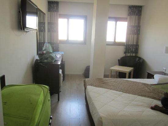 Restal Hotel: quite spacious room 