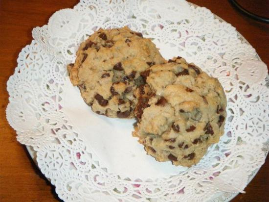 Hydrangea House Inn: Best chocolate chip cookies ever!