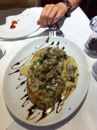Vesuvius: delicious bruschetta funghi