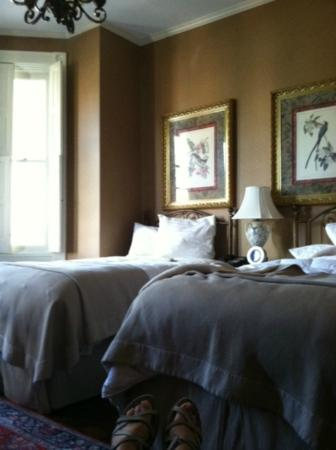 The Inn on Negley: Arkansas Black room