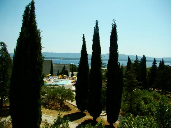 Bluesun Resort Bonaca: piscina vista dal balcone della stanza