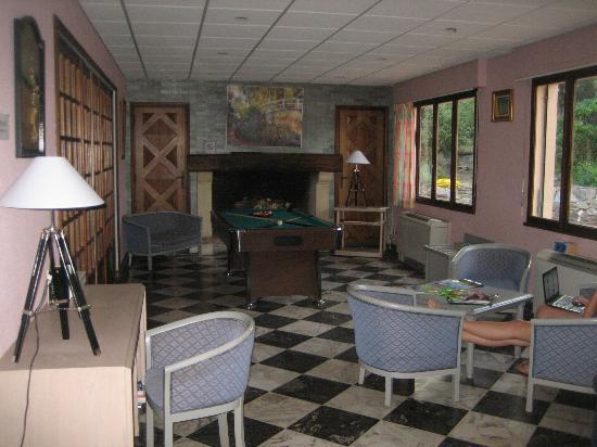 Hotel residence de la Mer : Rezeption und Billardtisch