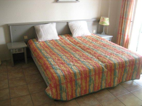 Hotel residence de la Mer: Schlafzimmer
