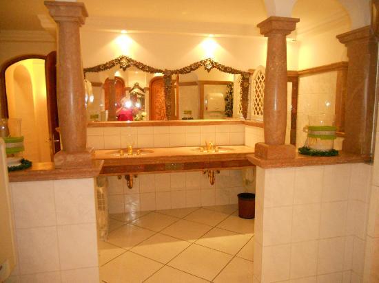 Hotel Peternhof: vue des toilettes