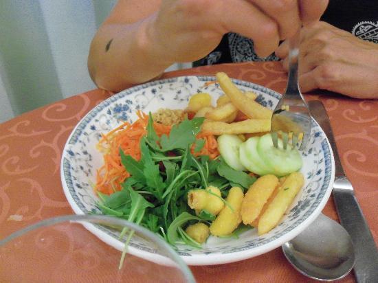 Hotel Oliver: un piatto di verdure dal buffet
