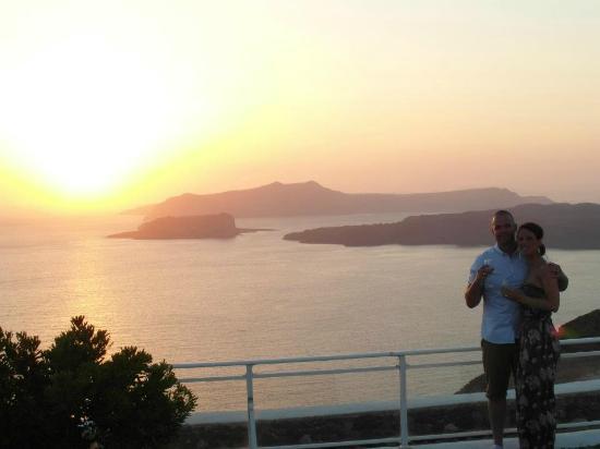 Thermes Luxury Villas: Amazing sunset 