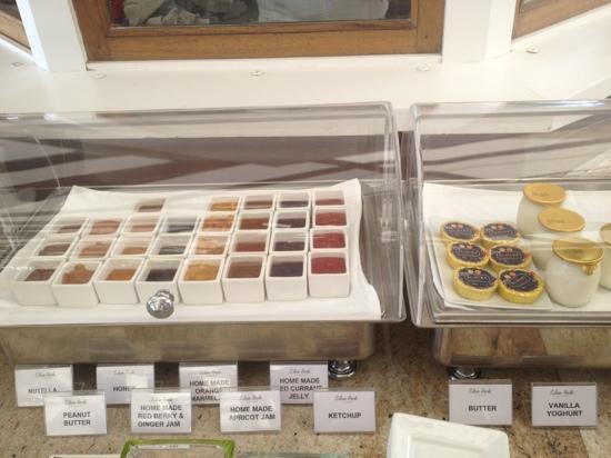 Eden Rock - St Barths: Confitures et beurre échiré