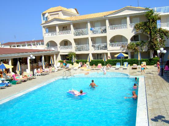 Planos Apart Hotel: pool are