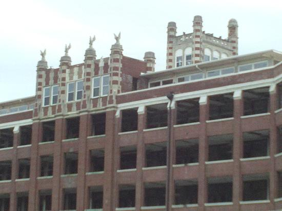 Waverly Hills Sanatorium : Backside of building