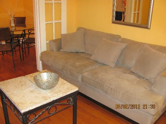 Villa Paradiso: sofa