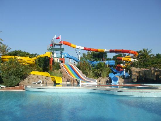 Belconti Resort Hotel : Water slides