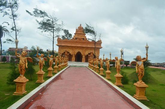 Rose Valley Manadarmoni Beach Resort: Temple Inside