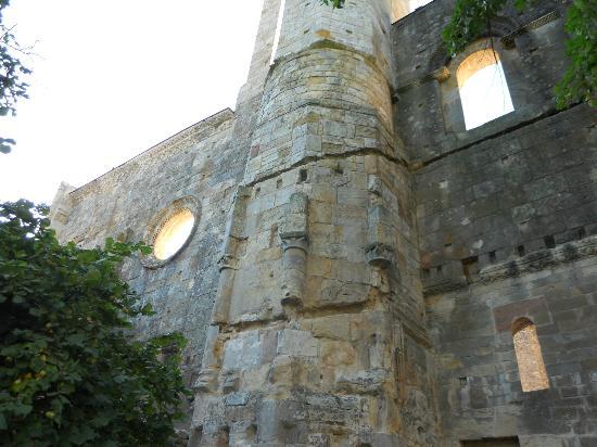 L'hostellerie de l'Eveche: le rovine dell'abbazia
