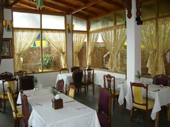 Te Aroha Dhanachuli: Dinning