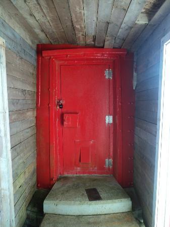 Lighthouse Picnics: Lighthouse door & Lighthouse door - Picture of Lighthouse Picnics Ferryland ... Pezcame.Com