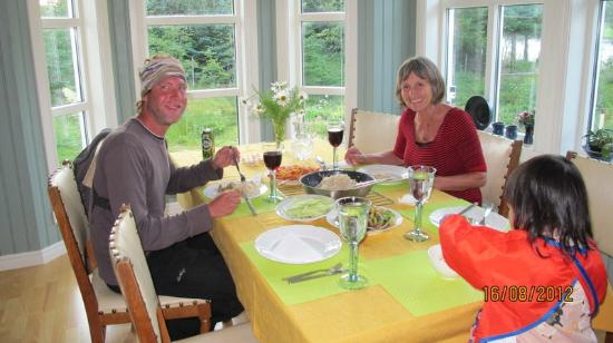 Anne Gerd's Lofoten: we cooked a chinese dinner for Anne and another guest