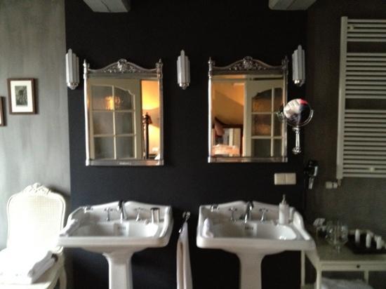 Suitehotel Restaurant Posthoorn: bathroom