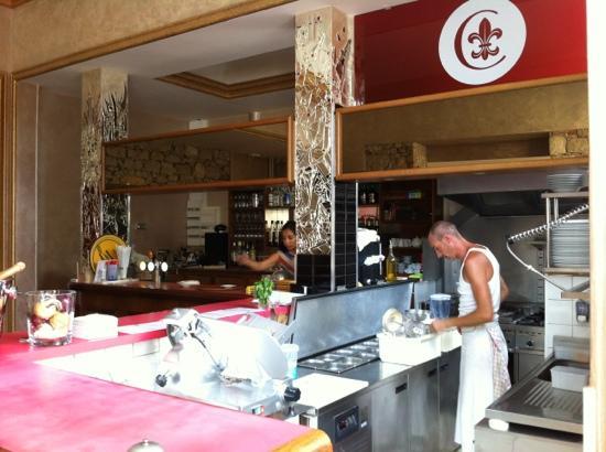 La Chicorée : bar et cuisine ouverte