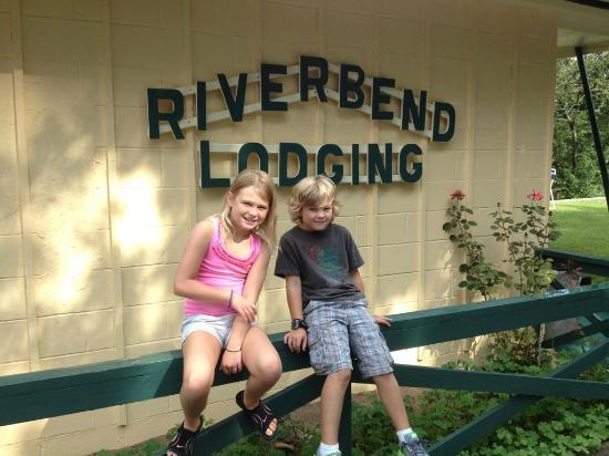 Riverbend Lodging: parting shot