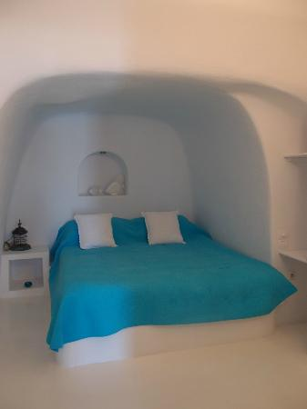 Myblue : Lovely master bedroom with double bed