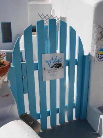 Myblue: You wont miss this cute little blue gate.