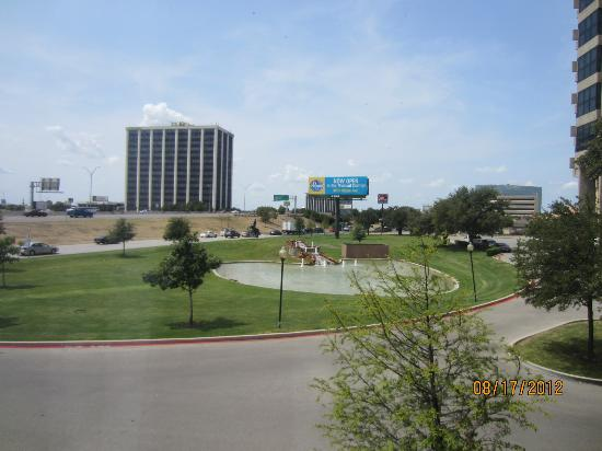 Comfort Inn & Suites Market Center: our view from the window