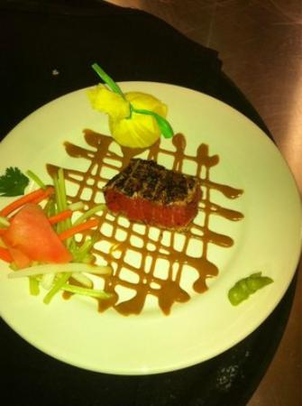 Myron's Prime Steakhouse - New Braunfels: Wasabi Seared Tuna Appetizer