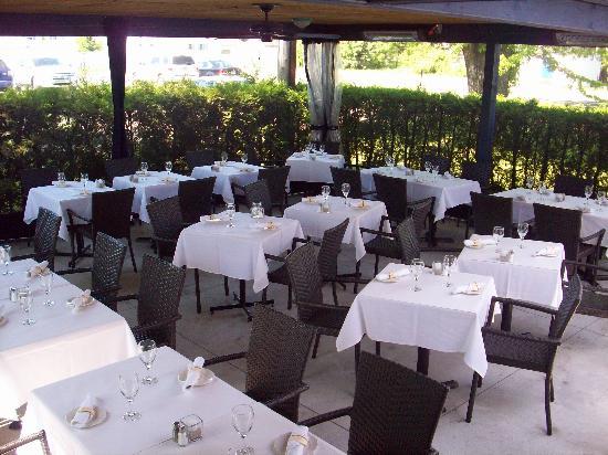 Le Castel des Pres: The terrace