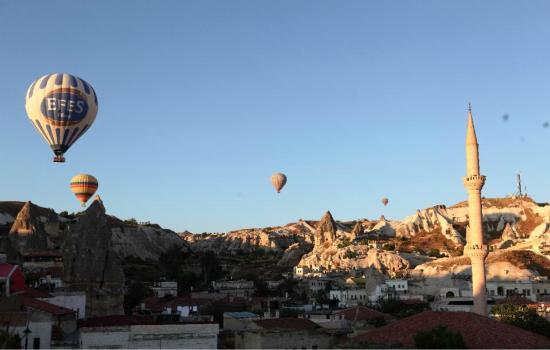 Hotel Ariarathes : Wonderful blue sky...