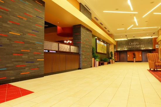 Shoshone Bannock Hotel & Event Center: Hotel Lobby
