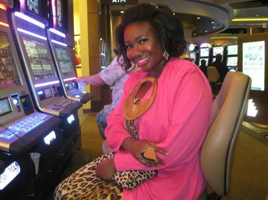 Eldorado Gaming Scioto Downs : Playing Sex & the City slot machine