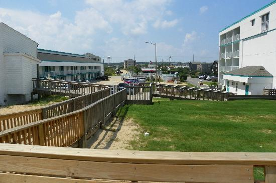 John Yancey Oceanfront Inn: 2story poolside-left, 4story-right