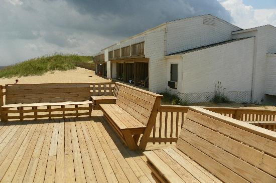 John Yancey Oceanfront Inn: 2story oceanfront