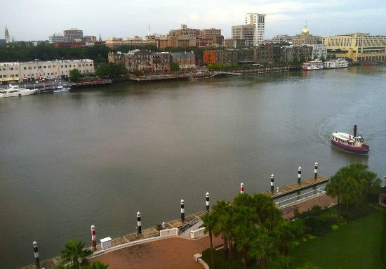Westin Savannah Harbor Golf Resort & Spa: Looking across the channel to River Street