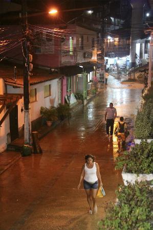 Hotel Pousada Ilha da Saudade: Vista a la Rua da prainha desde el balcón