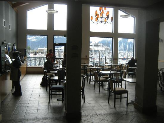 Harbor 360 Hotel: Breakfast area